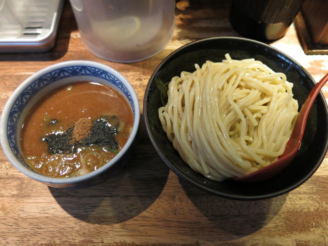 有楽町・日比谷で食べるべきラーメン7選!ミシュラン常連に柚子香る行列店など