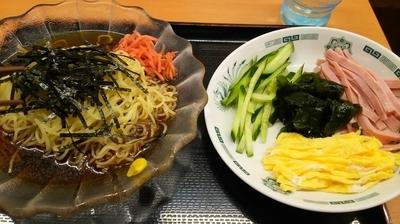 「黒酢しょうゆ冷し麺」@日高屋 神田西口店の写真