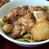 「たま小つけ麺豚入+巻チャァ(ヤサイ、麺少な目)」@蓮爾 登戸店の写真