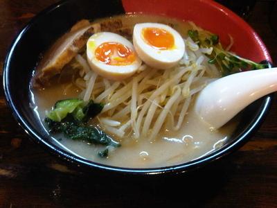 「多摩センターらーめん 赤麺 (710円)」@らーめん西海 多摩センター店の写真