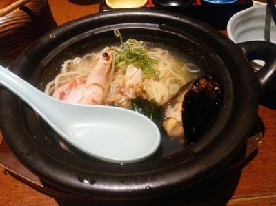 「魚介系醤油ラーメン538(並盛)538円」@千年の宴 高崎西口駅前店の写真