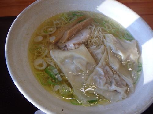 「塩ワンタン麺(750円)、半ライス(100円)」@中華そば 弥太郎の写真
