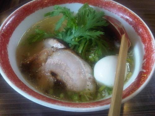 「本丸塩らー麺+塩味玉」@厚木本丸亭の写真