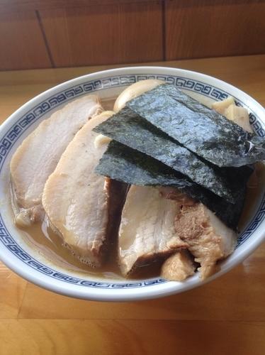 「特製中華そば 中 ➕肉1枚」@麺処TANAKAの写真