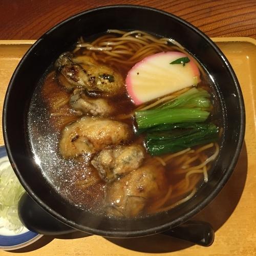 「牡蠣そば」@満留賀 池袋店の写真