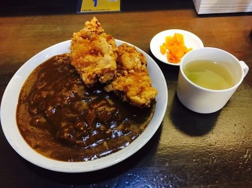 「カレー+唐揚げ2枚」@黄金マッハカレーの写真