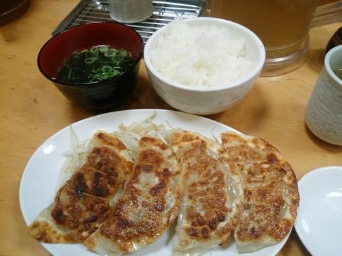 「しろ餃子・焼定食590円」@新橋ぎょうざ 本店の写真