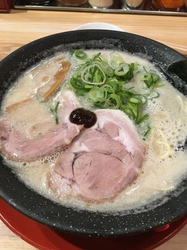 「白豚骨ラーメン」@熟成豚骨ラーメン専門 一番軒 今池店の写真
