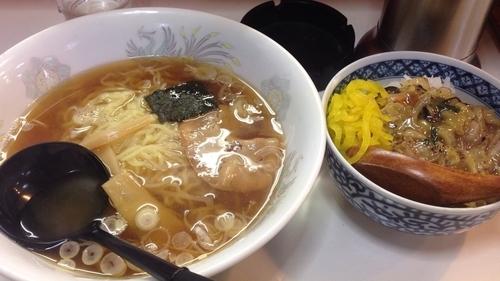 「ラーメン+中華丼セット 550円」@新潟ラーメン ひよこの写真