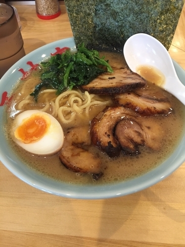 「チャーシュー麺980円、硬め濃いめ」@横浜家系 西村家の写真