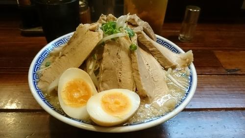 「バカ豚無限大ラーメン(大盛)、味玉」@ラーメン無限大 船橋店の写真