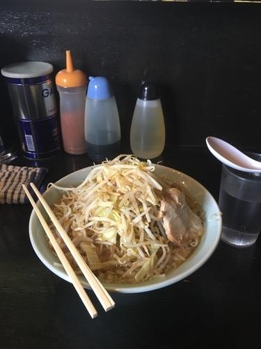 「醤油2型並700¥」@ラーメンマシンガンの写真