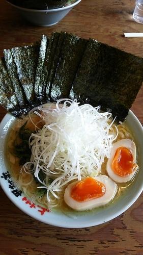 「ネギラーメン(脂多め) 味玉、海苔トッピング」@横浜らーめん 上州田村家の写真