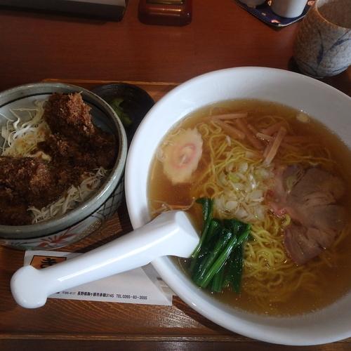 「ミニヒレカツ丼+ラーメンのセット(1,130円)」@きらくの写真