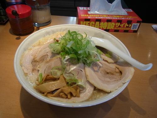 「醤油チャーシュー 960円」@旨みこってりらーめん 鐵 TETSU 千葉分店の写真