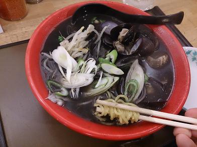 「しじみらぁめん(黒)」@超濃厚しじみらーめん きぬちゃん食堂の写真