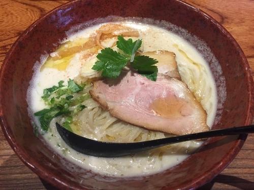 「鶏炊いたん塩そば(830円)」@NAMBA 龍旗信RIZEの写真