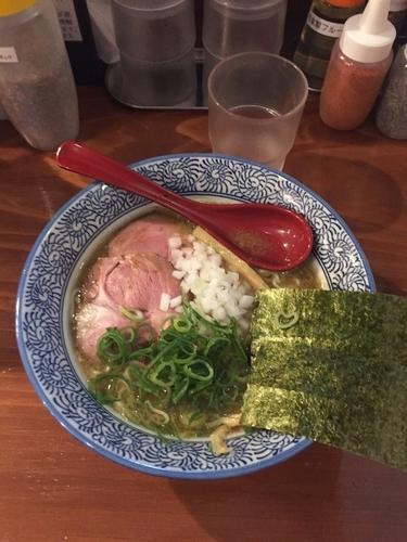 「濃厚煮干しそば」@濃厚煮干しそば 麺匠 濱星 関内店の写真