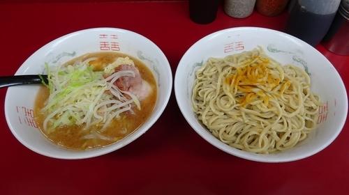 「ラーメン(700円)+カレーなるカレーつけ麺(200円)」@ラーメン二郎 相模大野店の写真