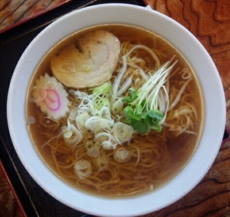 「ラーメン570円」@もつ煮屋 日の出食堂の写真