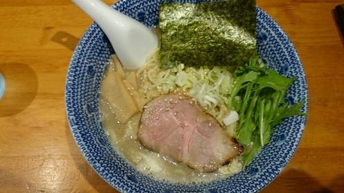 「濃厚塩ラーメン」@もんなか 〇心厨房の写真