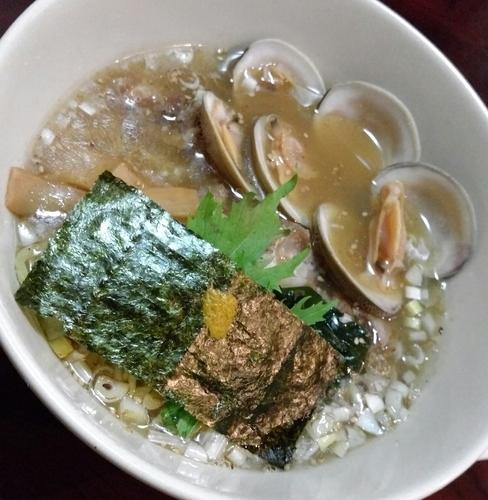 「濃厚貝出し塩ラーメン(ホンビノス貝使用)」@居酒屋けんちゃんの写真