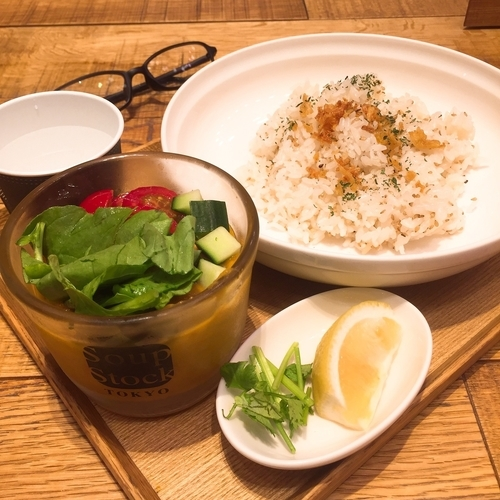 「レモンチリの冷たいカレー」@Soup Stock Tokyo Cafe ラゾーナ川崎店の写真