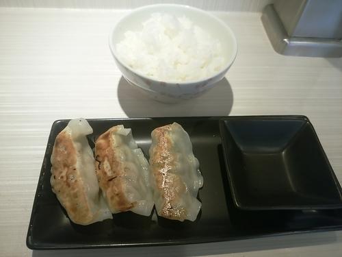 「半ライス+餃子3個セット150円」@麺屋はるの写真