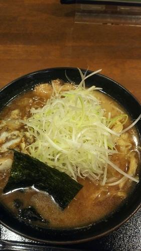 「かすそば(細麺)ネギ 味たま」@くりの木 加須店の写真