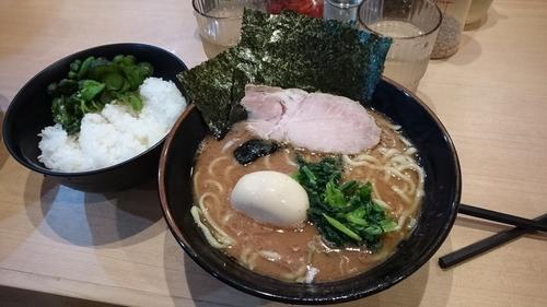 「ラーメン ¥ 650+味玉」@横浜家系らーめん 武道家 賢斗の写真