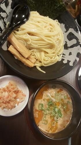 「海老鶏とんつけ麺大盛」@温泉つけ麺 維新 熱海本店の写真