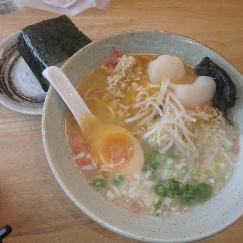 「海老塩ラーメン(850円)、むすび(100円)」@廣島麺匠 こりくの写真