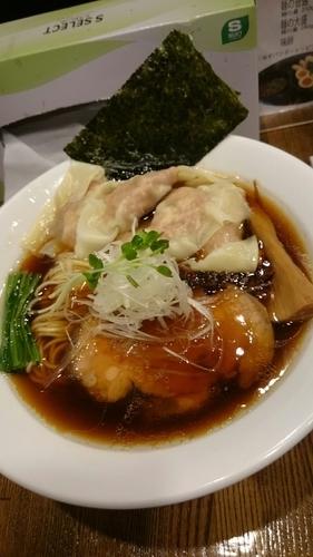 「肉ワンタン 特選 醤油そば  900円」@麺処 鶴舞屋の写真