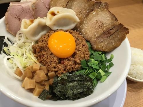 「台湾塩まぜそばDX 1,130円」@麺や マルショウ 新なにわ大食堂店の写真