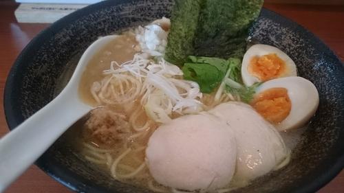 「濃厚鶏骨醤油そば味たまいり、麺大盛」@濃厚鶏そば 麺屋武一 汐留店の写真