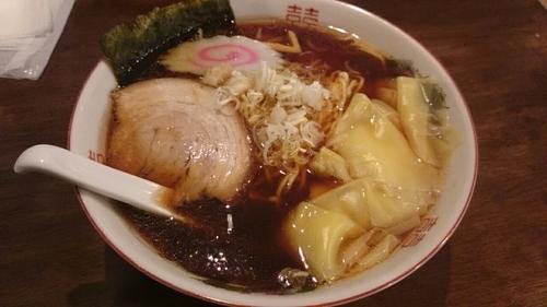 「ワンタン麺(大盛)」@中華飯 竜平の写真