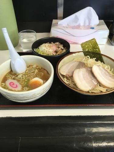 「濃厚チャーシューつけ麺とまかない飯」@大勝軒満帆 籠原店の写真