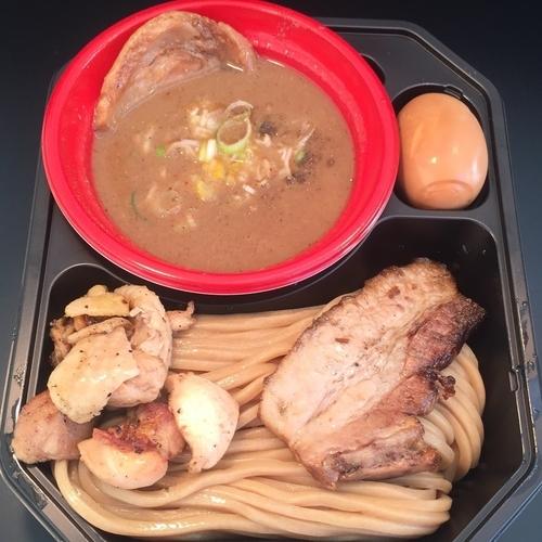 「中華蕎麦とみ田 10年目の豚骨魚介+特製全部のせ300円」@大つけ麺博 2016の写真