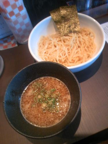 「濃厚鶏つけ麺(魚介香る醤油)780円」@麺屋 真白の写真