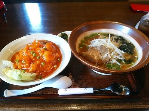 「ラーメンセット(醤油ラーメン+エビチリ飯)810円」@台湾料理 福味居の写真