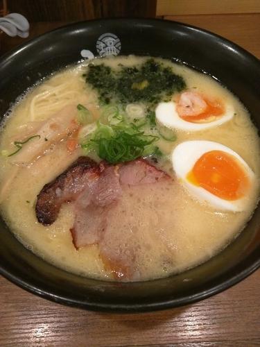 「塩玉鶏白湯らーめん」@塩らーめん専門 ひるがお 大岡山店の写真