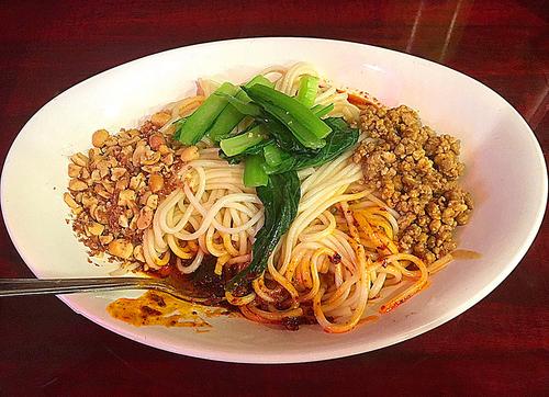 「汁なし担々麺  800円」@中国家庭料理 楊 別館の写真