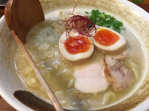 「濃厚鶏白湯らーめん 味玉」@麺匠ようすけの写真