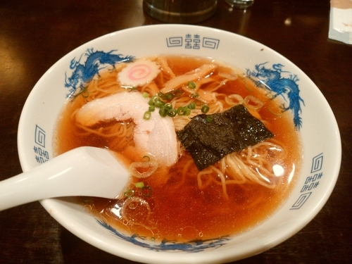「醤油ラーメン(並盛)760円」@和食処 たまやの写真
