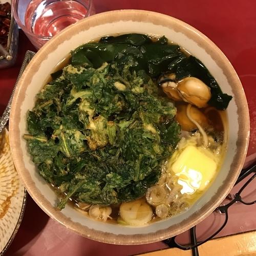 「牡蠣そば(バター入り)+春菊天」@丹波屋の写真