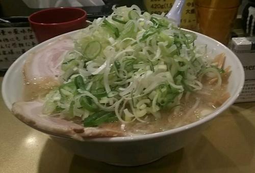 「しょうゆラーメン750円+大盛り(サービス)」@超ごってり麺 ごっつ 新小岩店の写真