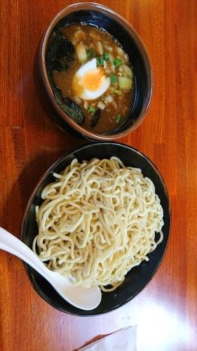 「濃厚魚介つけ麺 中盛 680+クーポン使用餃子」@ラーメンねぎっこ 北福島店の写真
