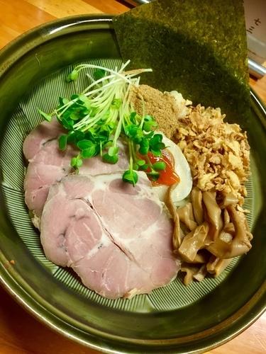 「【夜の部】まぜそば (魚粉Ver) ¥700」@あぢとみ食堂の写真