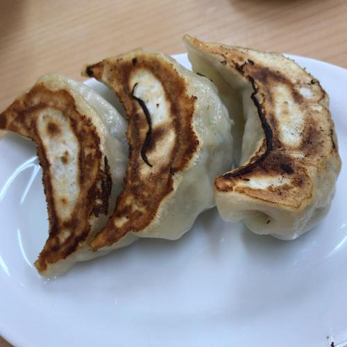「餃子(3コ) 250円」@麺屋 まさとの写真