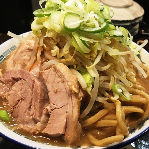 「【限定】豚そば(300g;ヤサイ増し)」@特級鶏蕎麦 龍介の写真